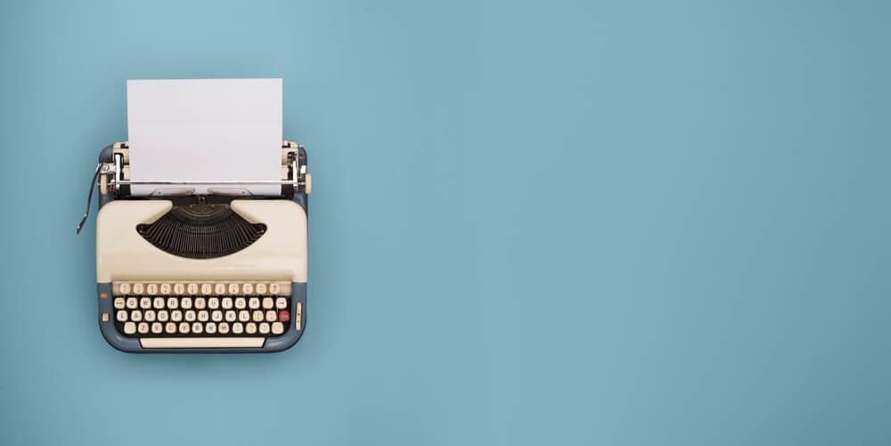 maquina de escrever representando o storytelling