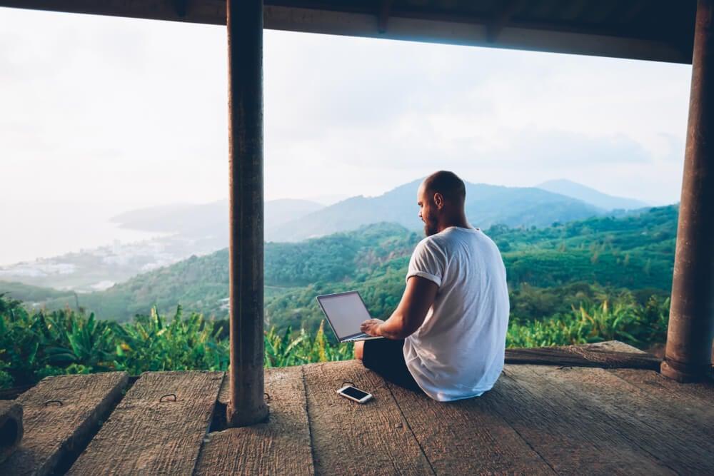 autônomo ganhando dinheiro através do seu blog