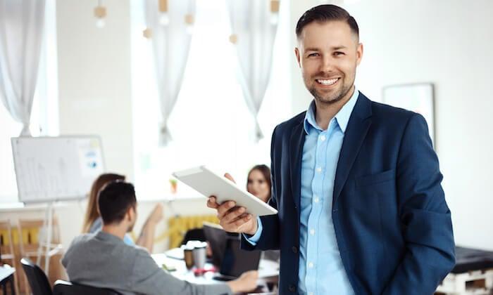 empreendedor sorridente
