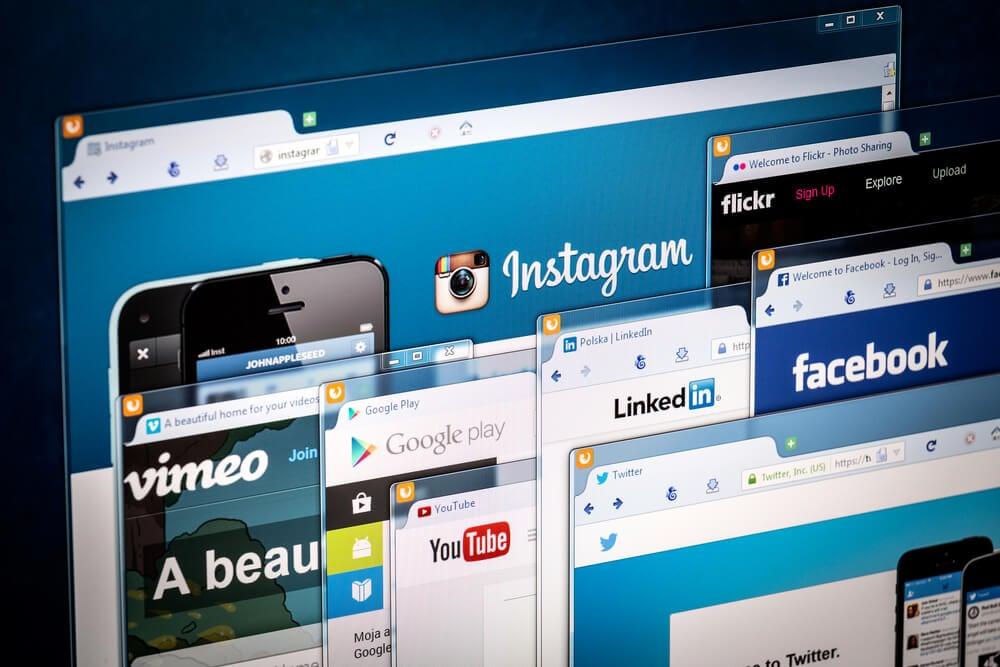 abas web abertas em diversas redes sociais