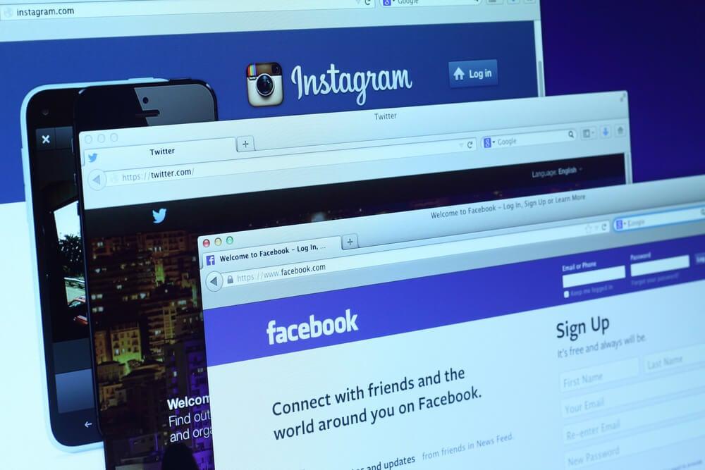 abas de internet com diferentes redes sociais