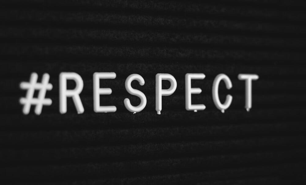 hashtag da palavra respect com fundo preto
