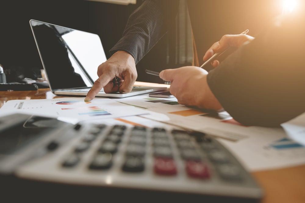 mesa de profissional analista de marketing