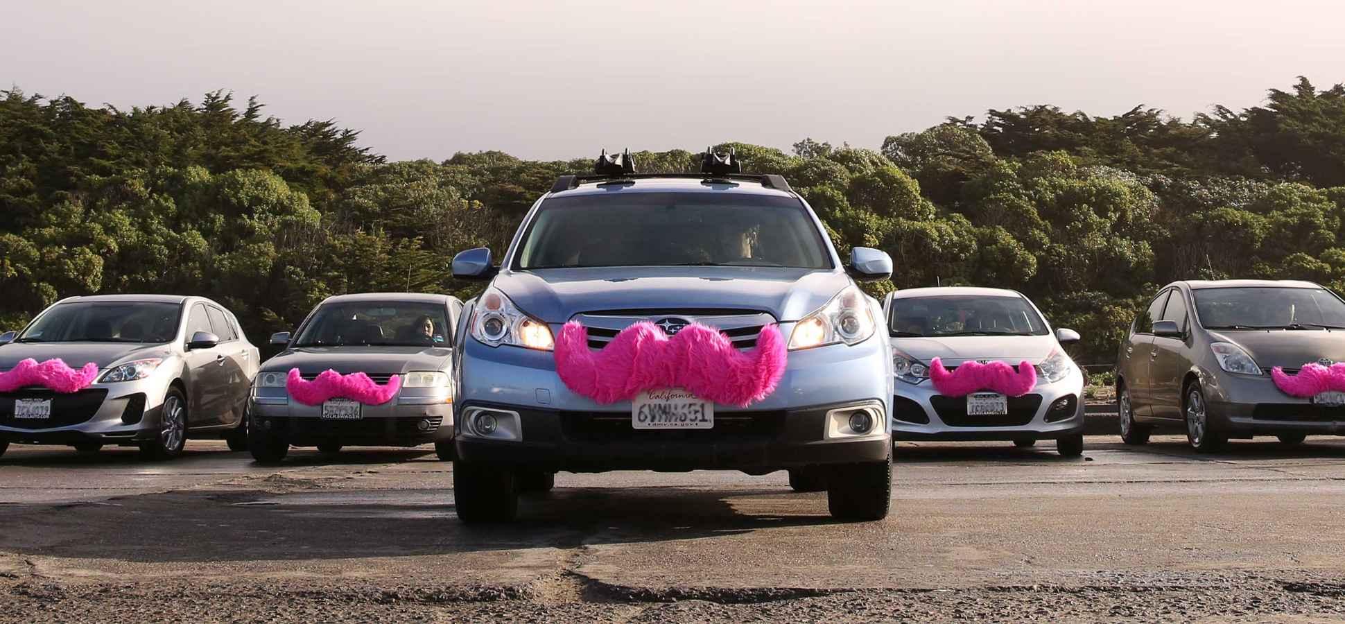 carros de marketing de guerrilha da Uber contra a Lyft