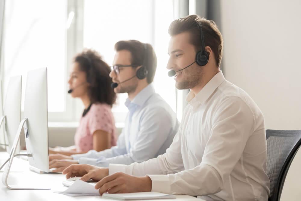 profissionais de telemarketing
