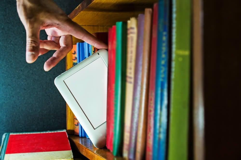 ebook em comparação de livros tradicionais