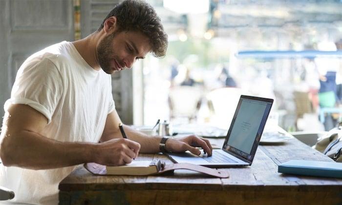 revisão de textos como ideia de negócios com pouco dinheiro