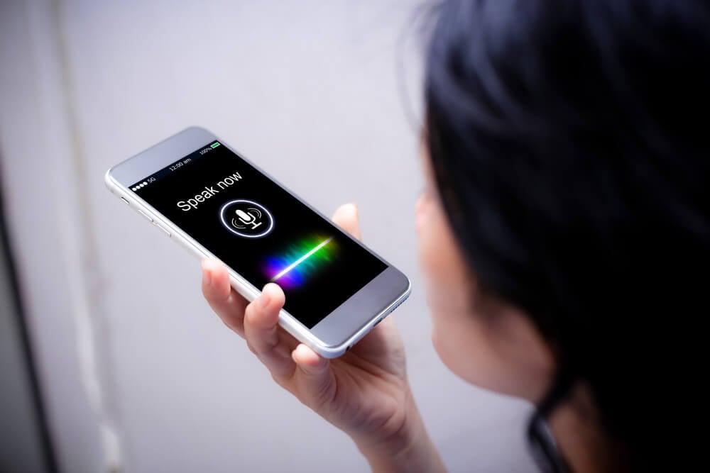 buscas por voz no smartphone