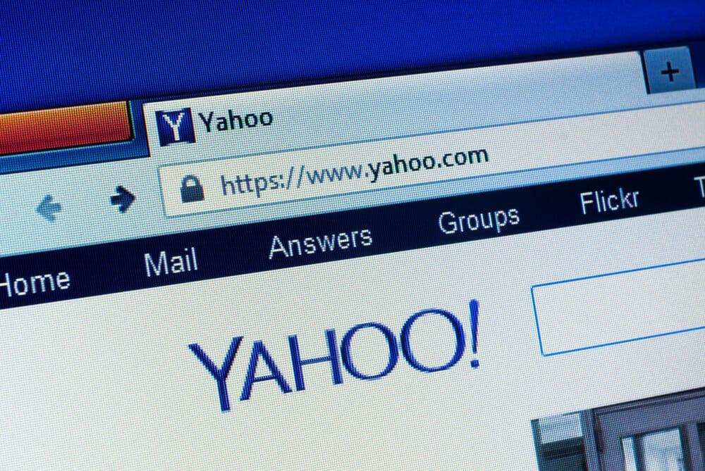 navegador na página inicial do site Yahoo
