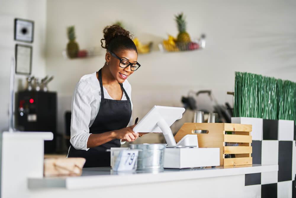 mulher em ambiente de trabalho