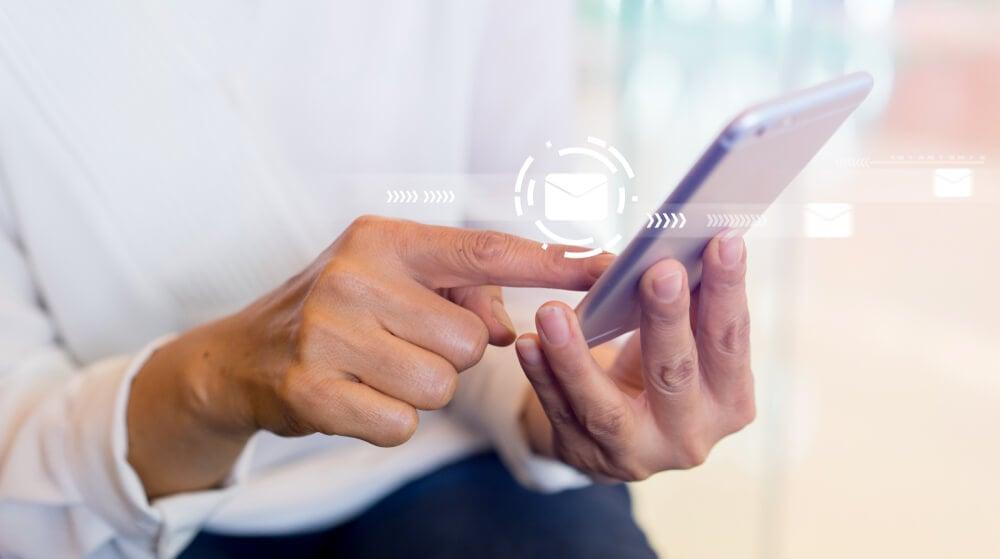 contatos em smartphone