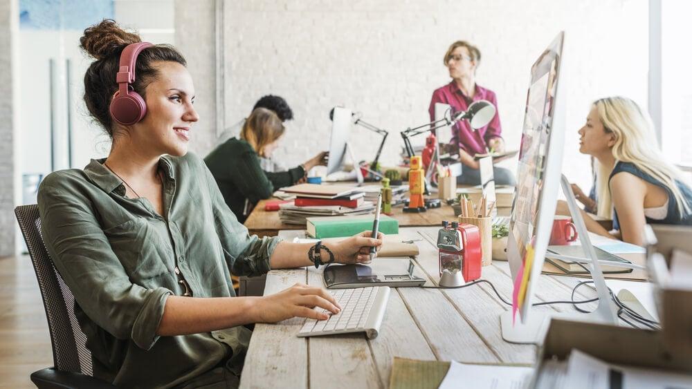 equipe criativa em escritório