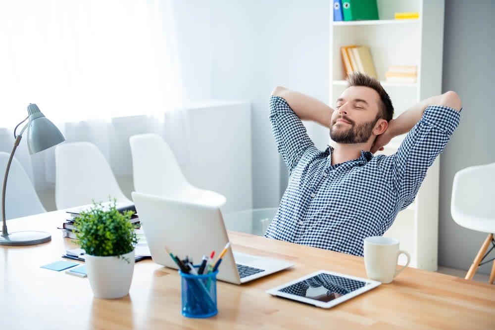 relaxamento em meio o trabalho relacionado a criatividade