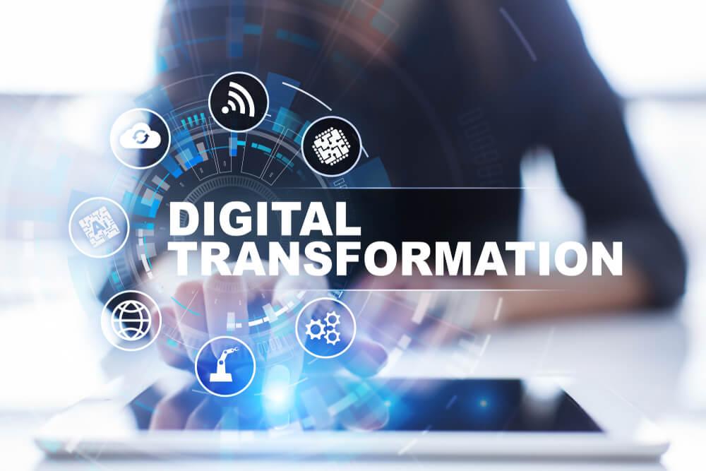 tablet com título de transformação digital