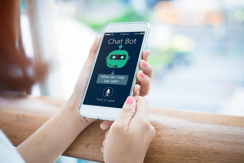 tela de celular com a palavra chatbot