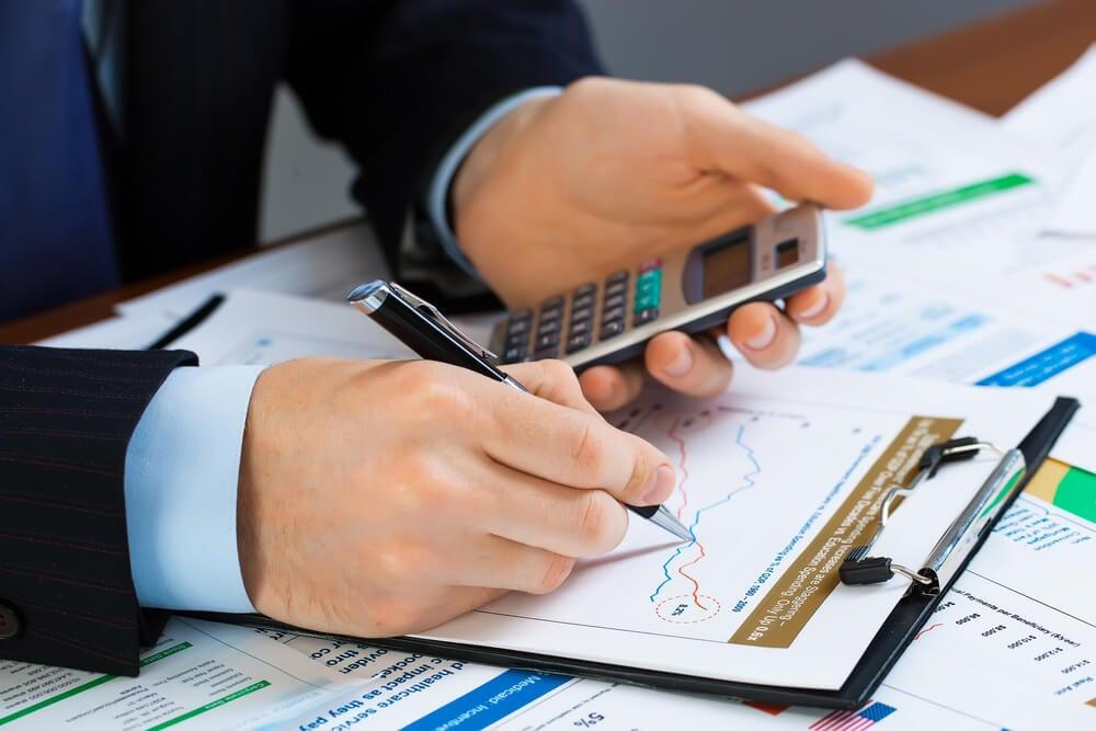 análise de dados e números por profissional