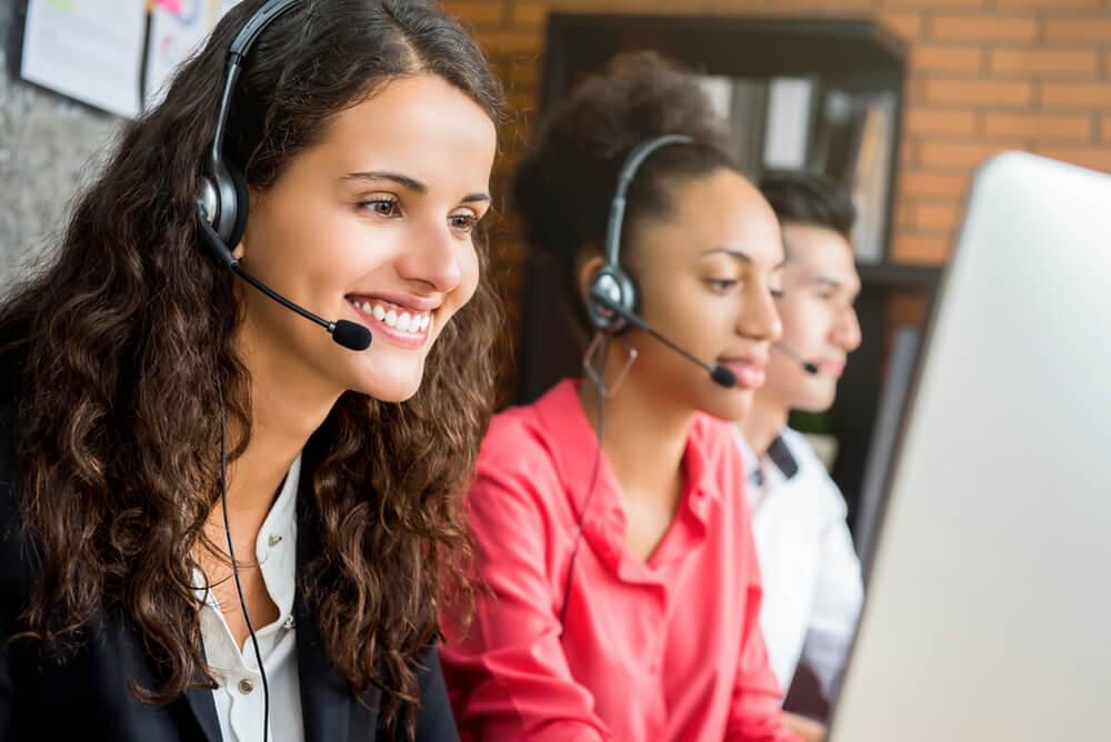atendentes de call center
