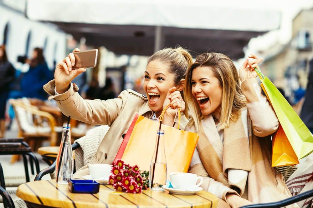 comportamento feliz do consumidor após uma compra