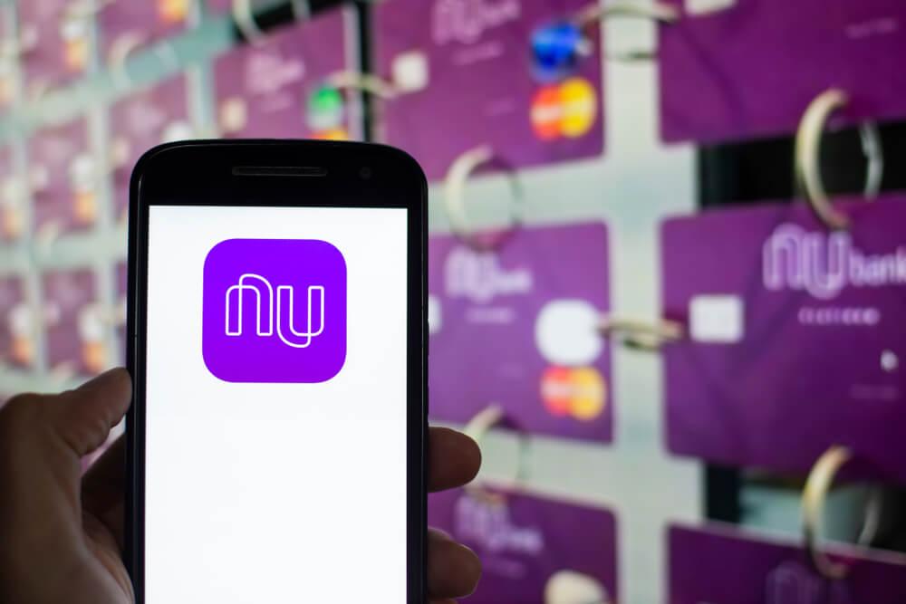 ícone da empresa nubank em smartphone