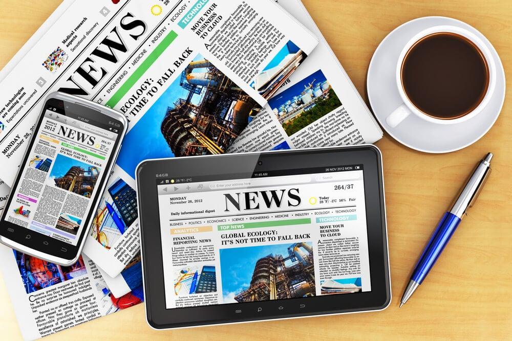 jornal de notícias em forma física e digital em diferentes dispositivods