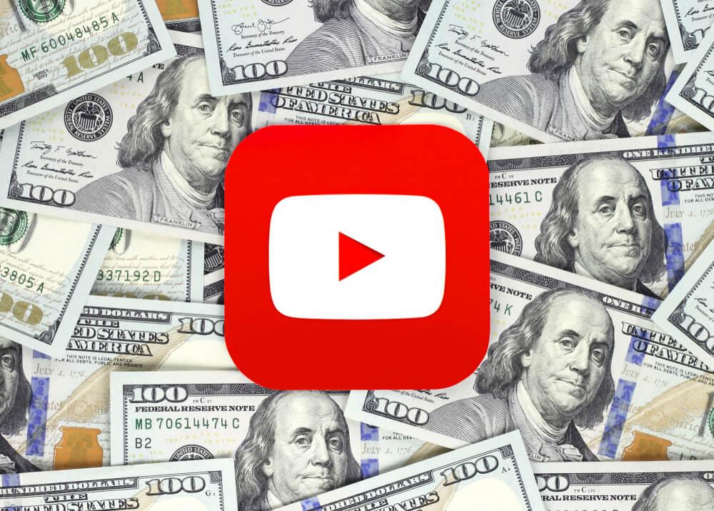 monetização no youtube com notas ao fundo