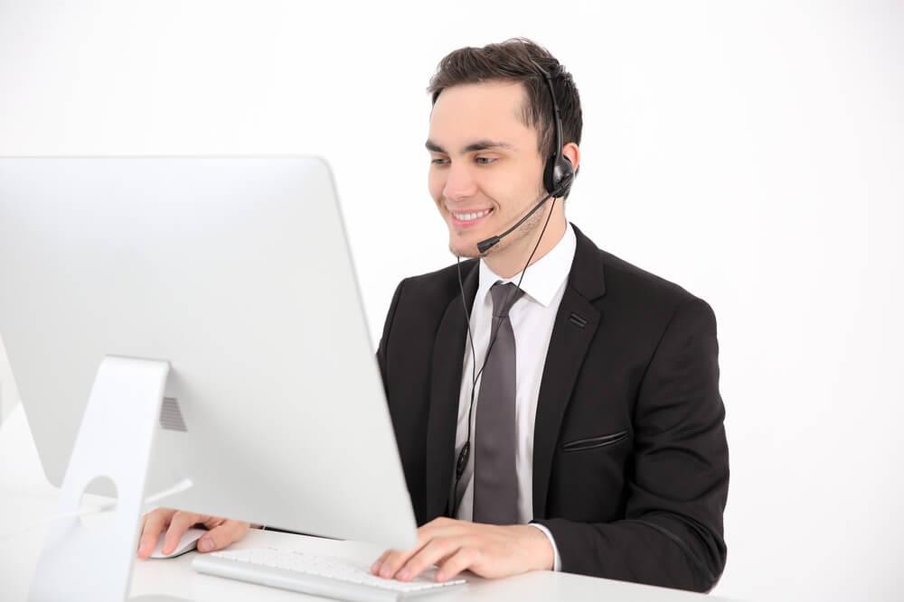 profissional exercendo papel de telemarketing
