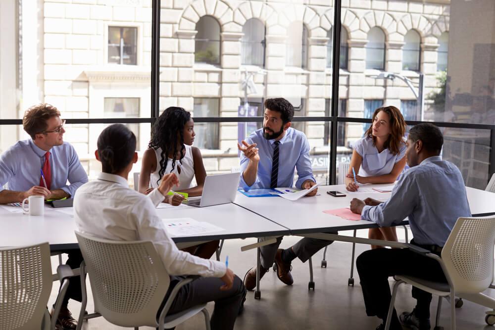 sala de reuniões como modelo de negócio