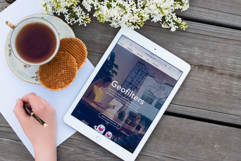 tablet com geofiltros