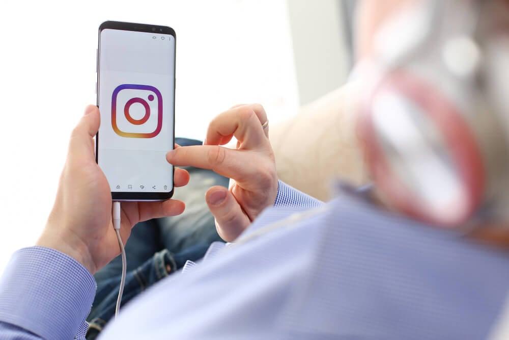 acesso ao smartphone ao aplicativo Instagram