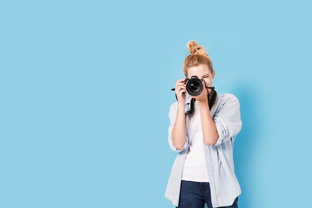garota fotógrafa como exemplo de análise SWOT pessoal