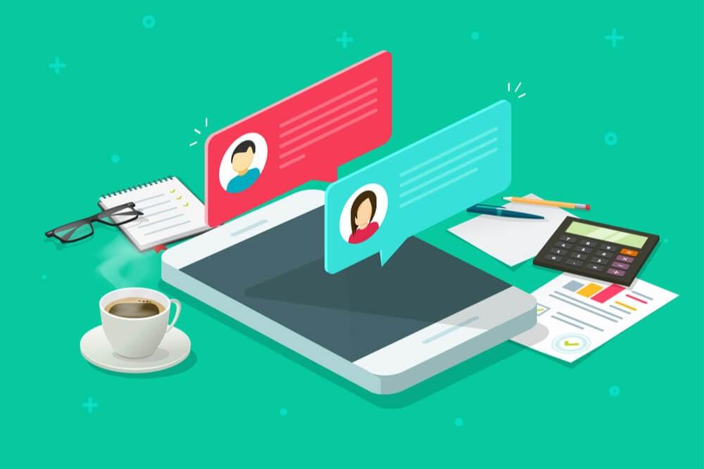 ilustração de smartphone cafés e papéis com push notifications de conversas