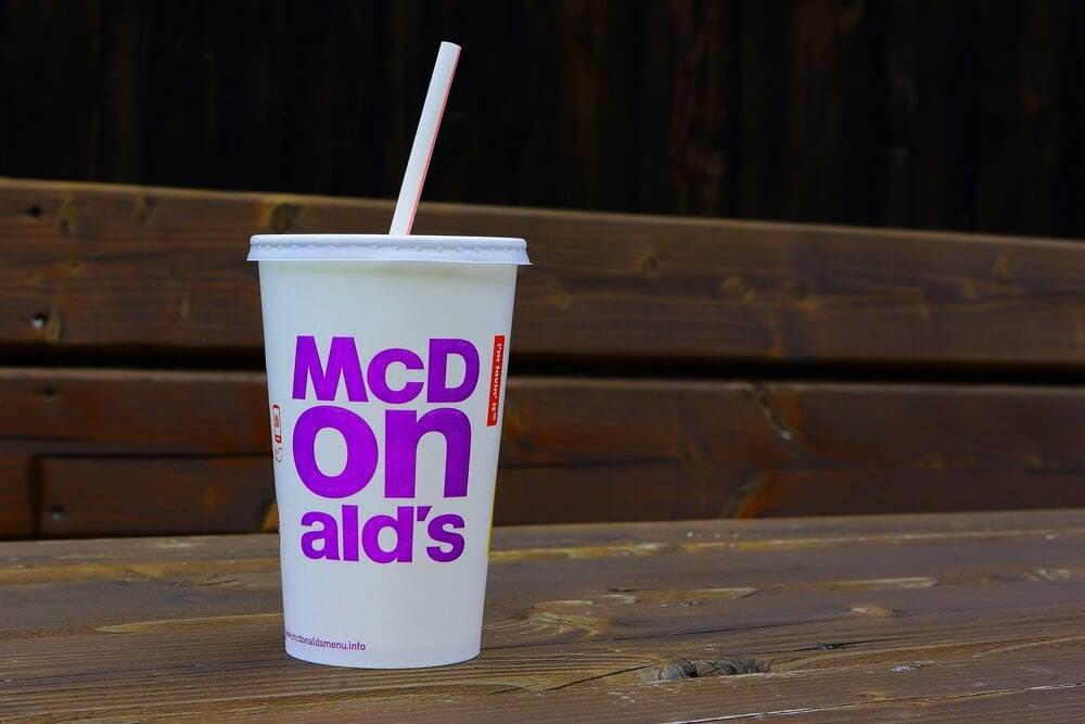 Mc Donals como exemplo da diferença entre logotipo e identidade