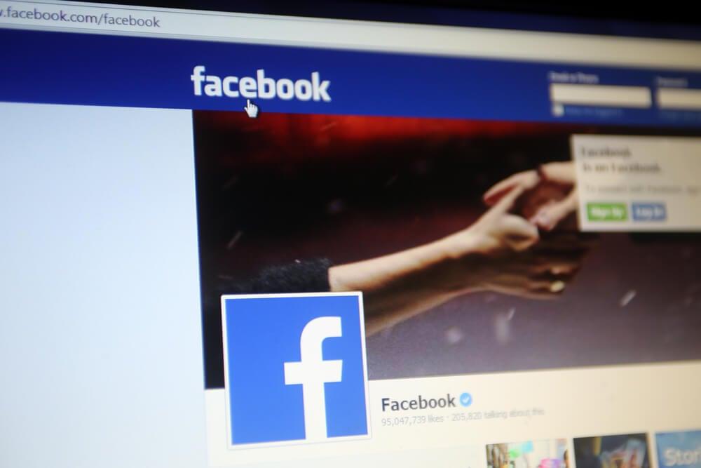 página de login no facebook