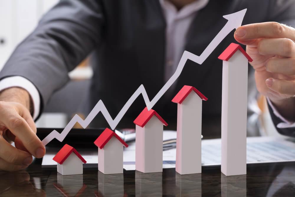 profissional de marketing imobiliario e casas formando métrica