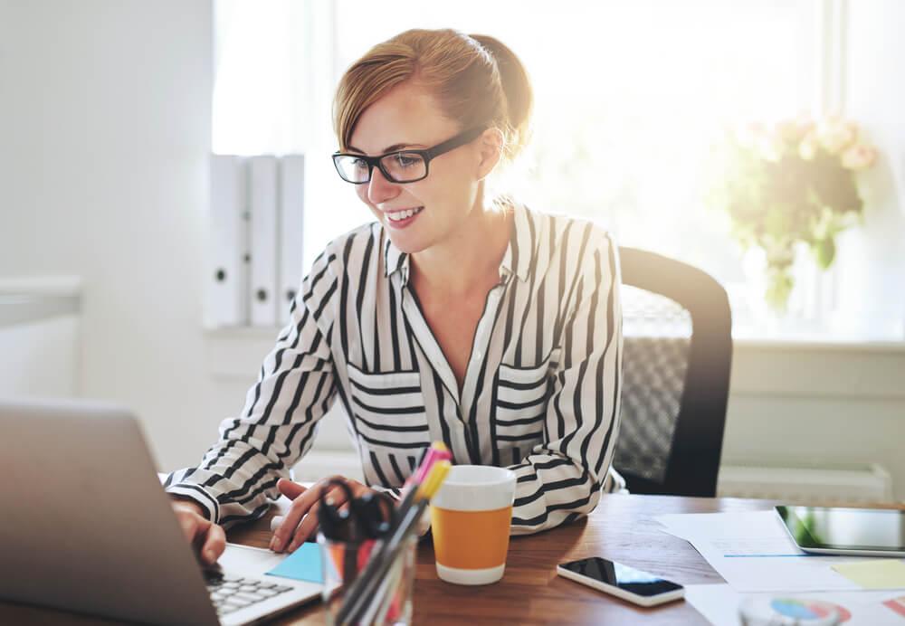 profissional de negócio online