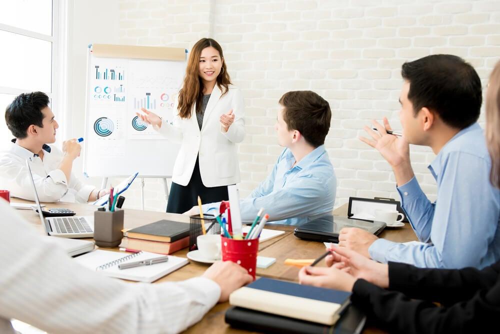 reunião de equipe em processo de pré venda