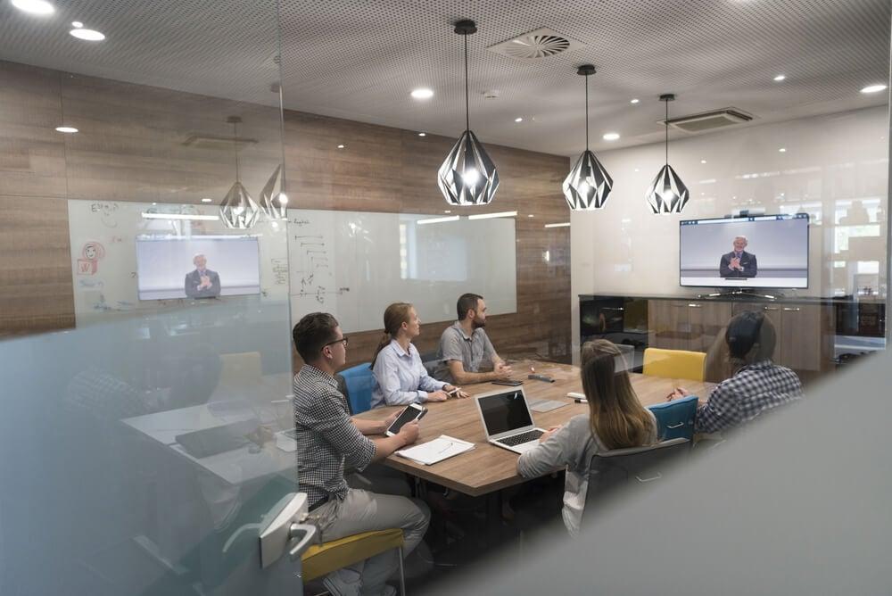reunião de equipe institucional