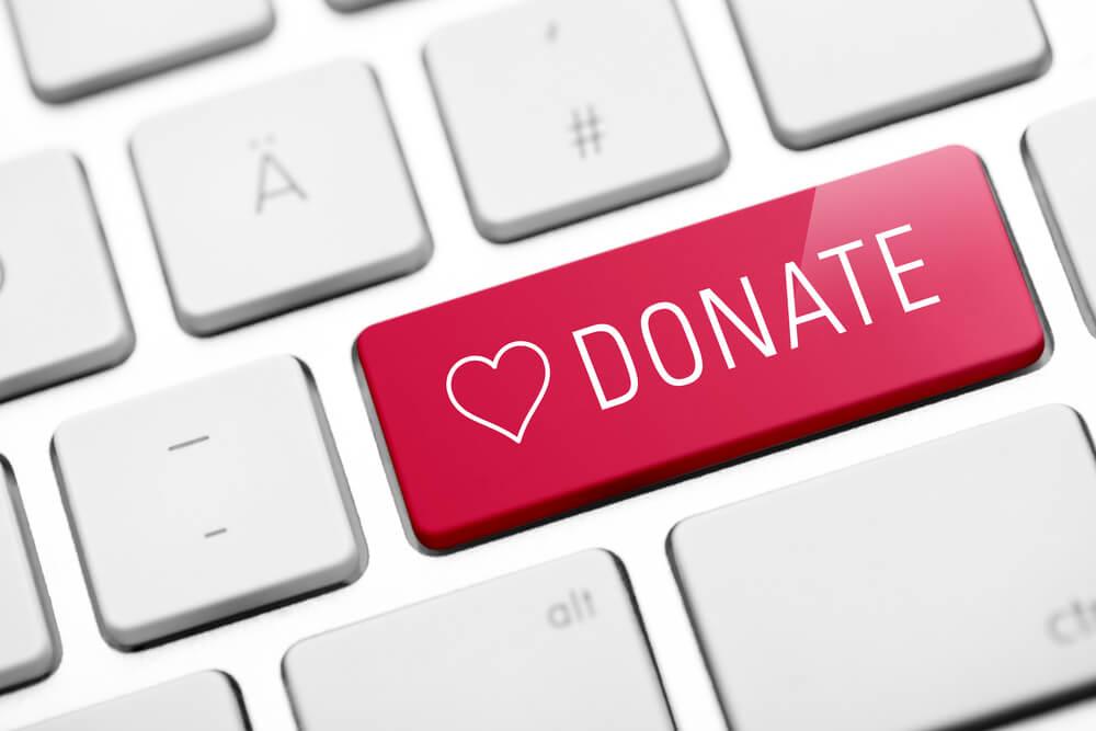 teclado com botão de doação