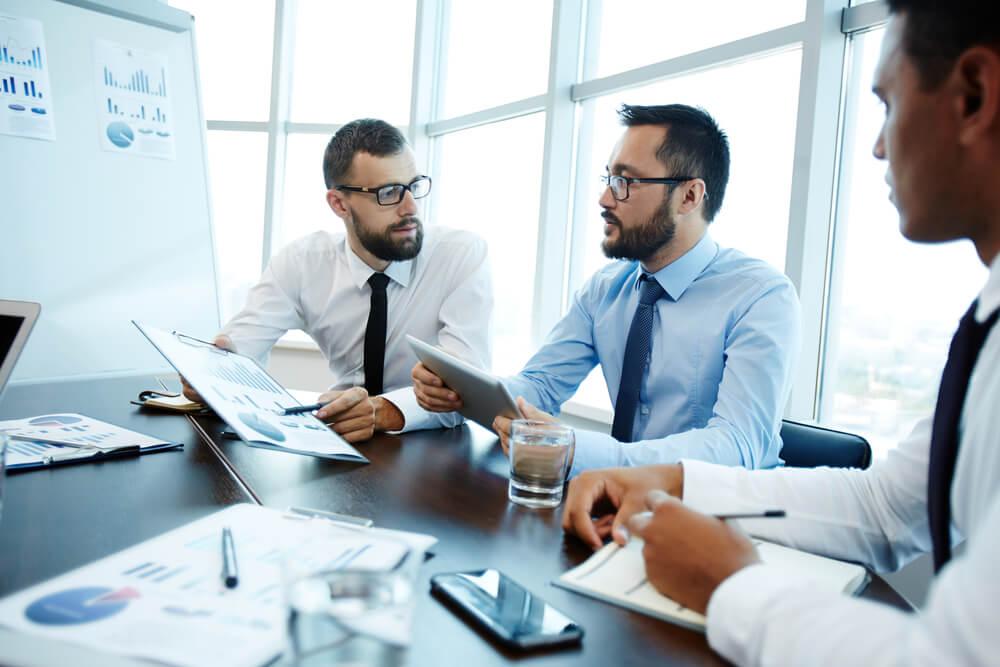 equipe fazendo gestão de vendas