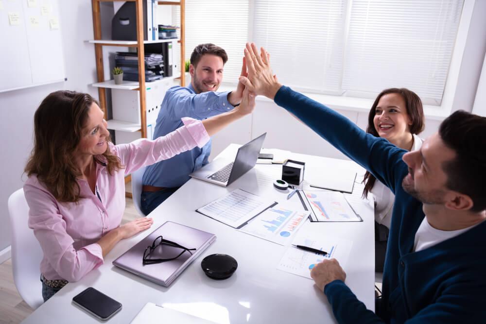 comunicação eficaz contribui para melhora de clima organizacional