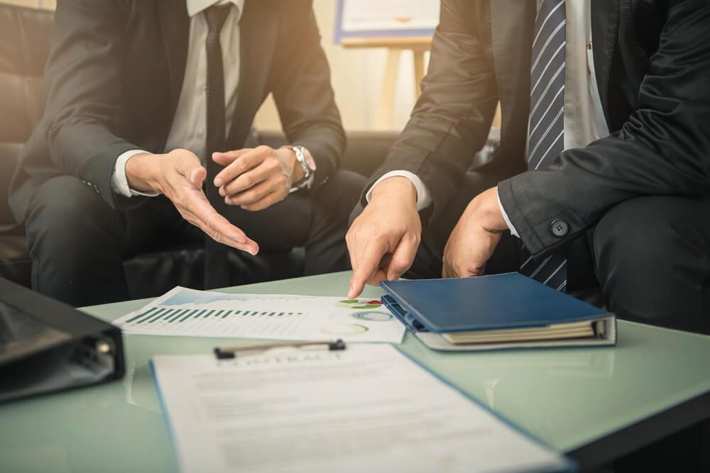 conversa entre profisional de venda consultiva