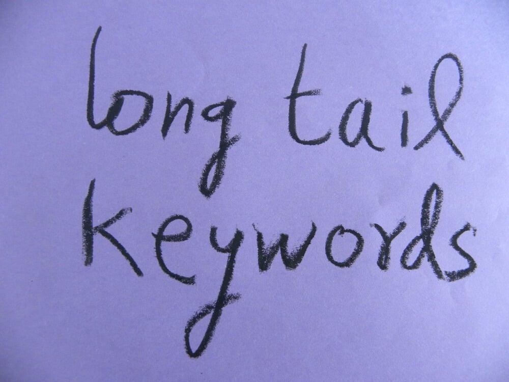 escrita sobre palavras chave na estratégia cauda longa