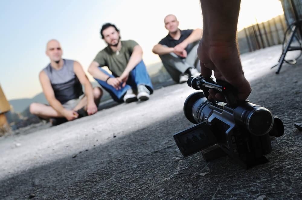 ideia de viedeo sendo gravado com câmera simples