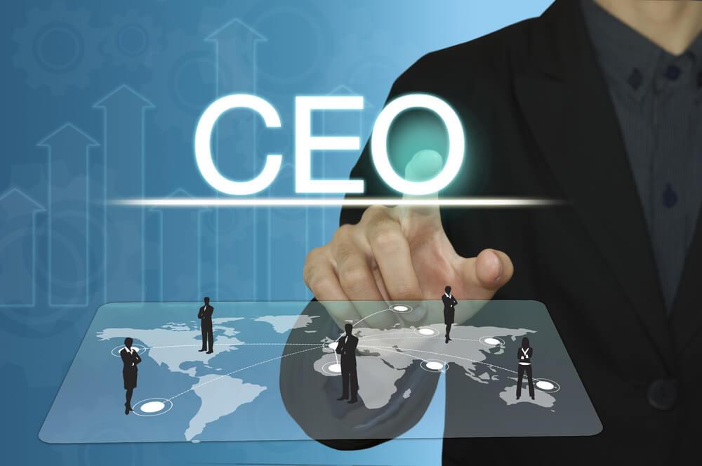 ilustraçao com a palavra CEO e mapa mundi com diferentes lideres em diferentes lugares