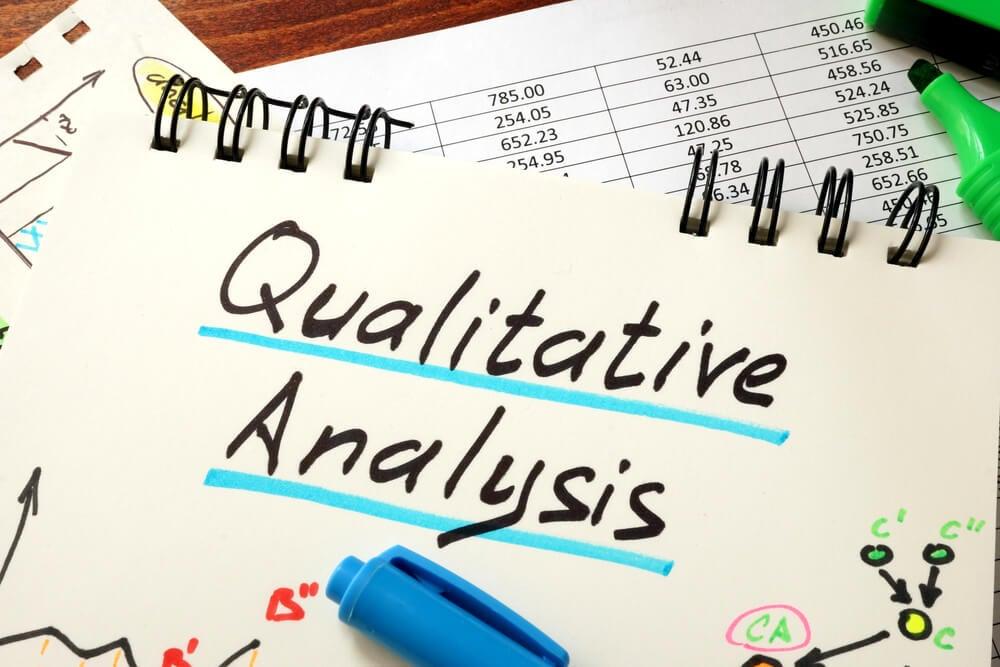 papéis de dados e planejamento sobre análises qualitativas