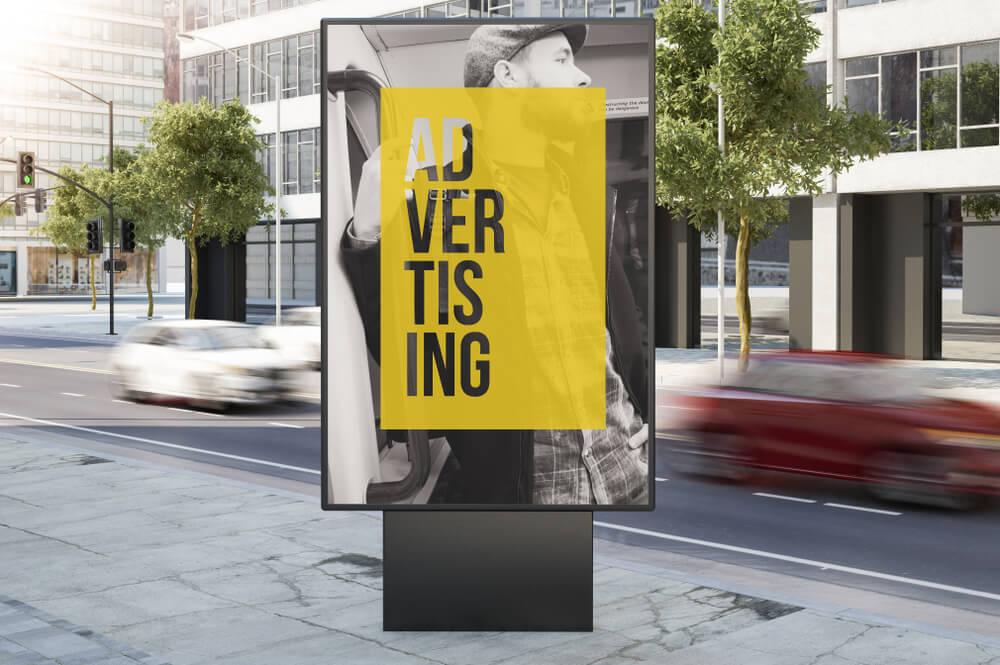 anúncio publicitário urbano