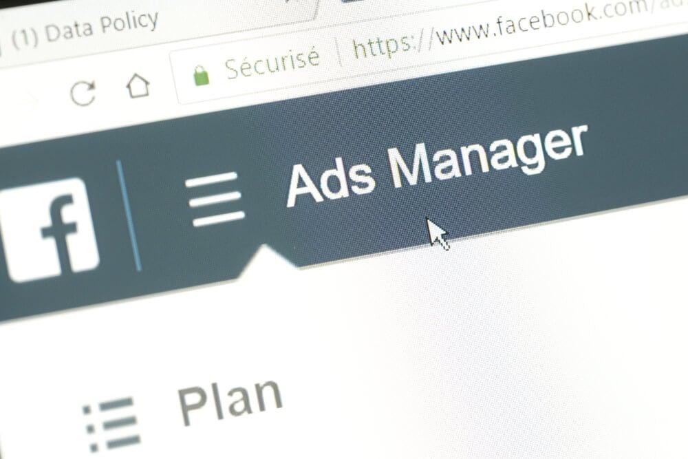 gerenciador de anuncios do facebook em tela de computador