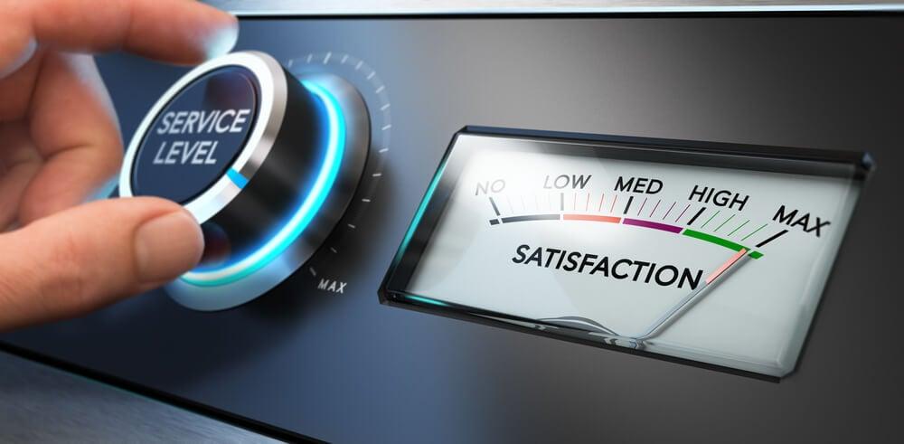 indicador de desempenho e satisfaçao marcando máxima satisfaçao