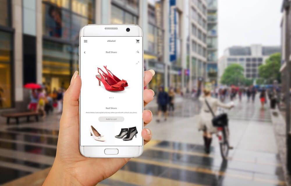 loja virtual de sapatos em tela de smartphone