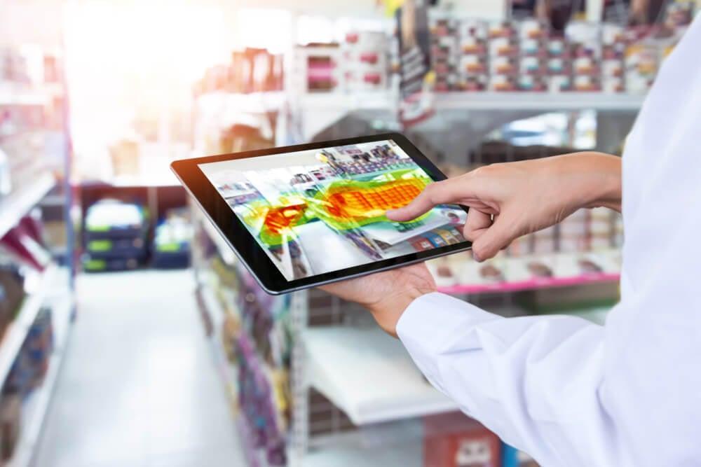 mapa de calor em tablet em loja de varejo